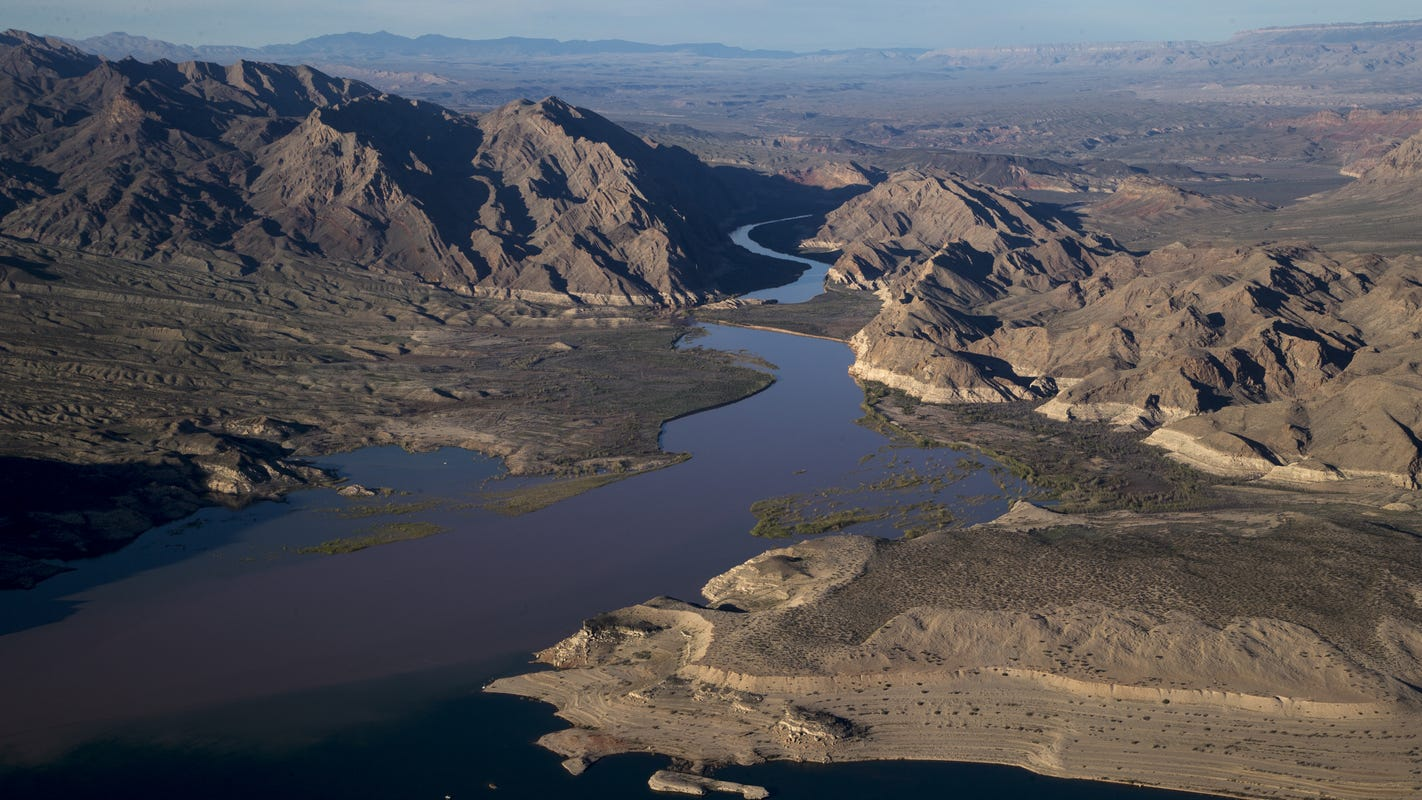 Water cutbacks set to begin under deal designed to 'buy down risk' on Colorado River