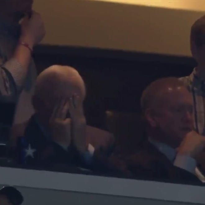 Jerry Jones did not have a happy Thanksgiving.