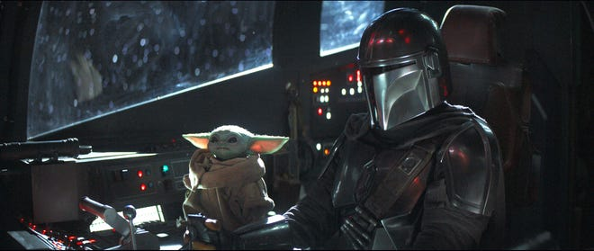 Baby Yoda and The Mandalorian in Chapter 4: Sactuary