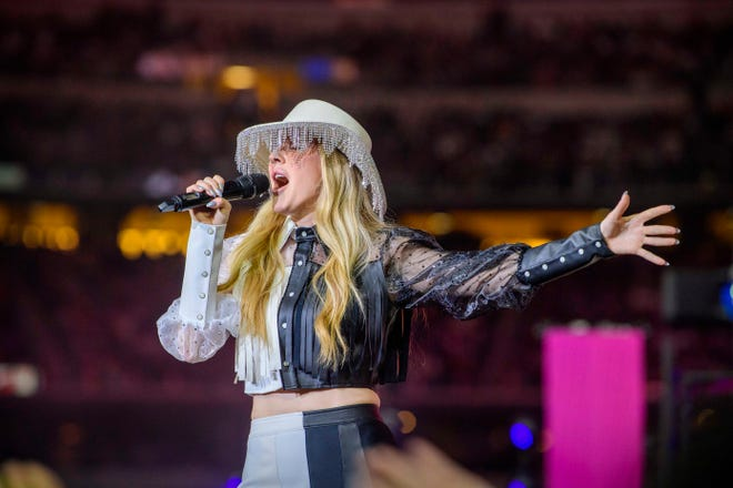 Recording artist Ellie Goulding performs during the halftime show in the game between the Dallas Cowboys and the Buffalo Bills at AT&T Stadium on Nov. 28, 2019.