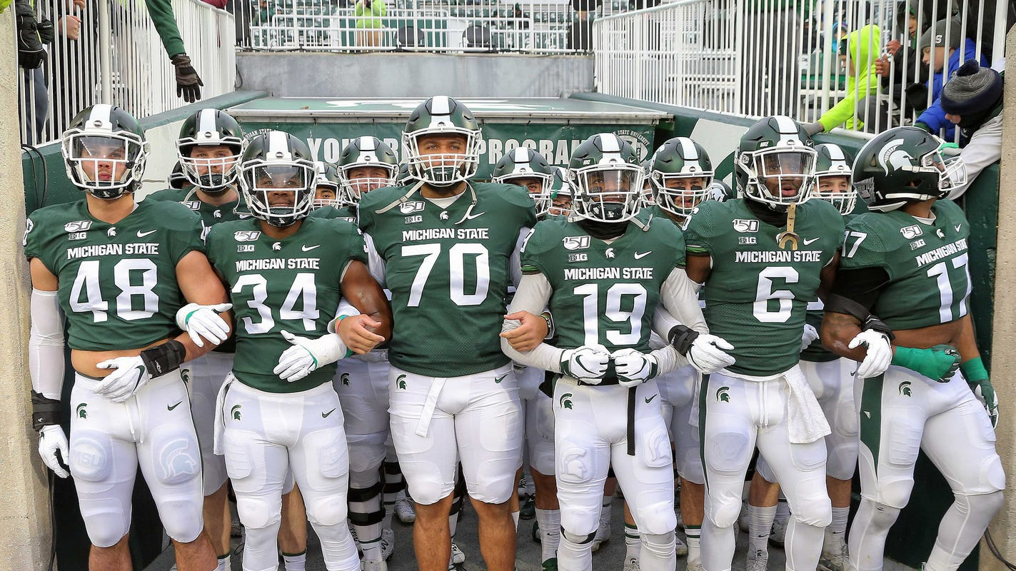 Michigan State Football Vs Wake Forest In Pinstripe Bowl