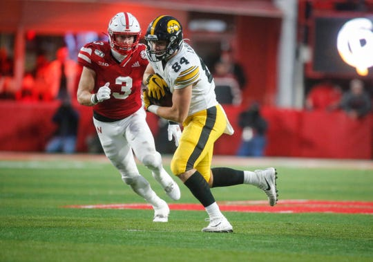 True freshman Sam LaPorta's awareness of the game clock and ability to pull in this 22-yard catch with seven seconds remaining set up Keith Duncan's winning field goal at Nebraska.