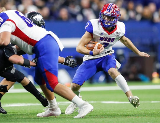Western Boone Stars Spencer Wright (7) runs the ball at the IHSAA Class 2A state finals at Lucas Oil Stadium, Saturday, November 30, 2019. Western Boone Stars defeated the Eastbrook Panthers, 44-7.
