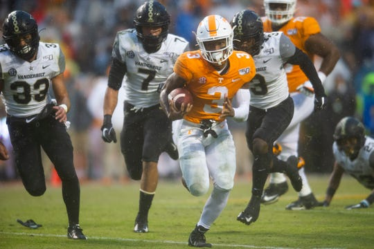 Tennessee running back Eric Gray (3) runs for a touchdown during a game between Tennessee and Vanderbilt at Neyland Stadium in Knoxville, Tenn. on Saturday, Nov. 30, 2019.