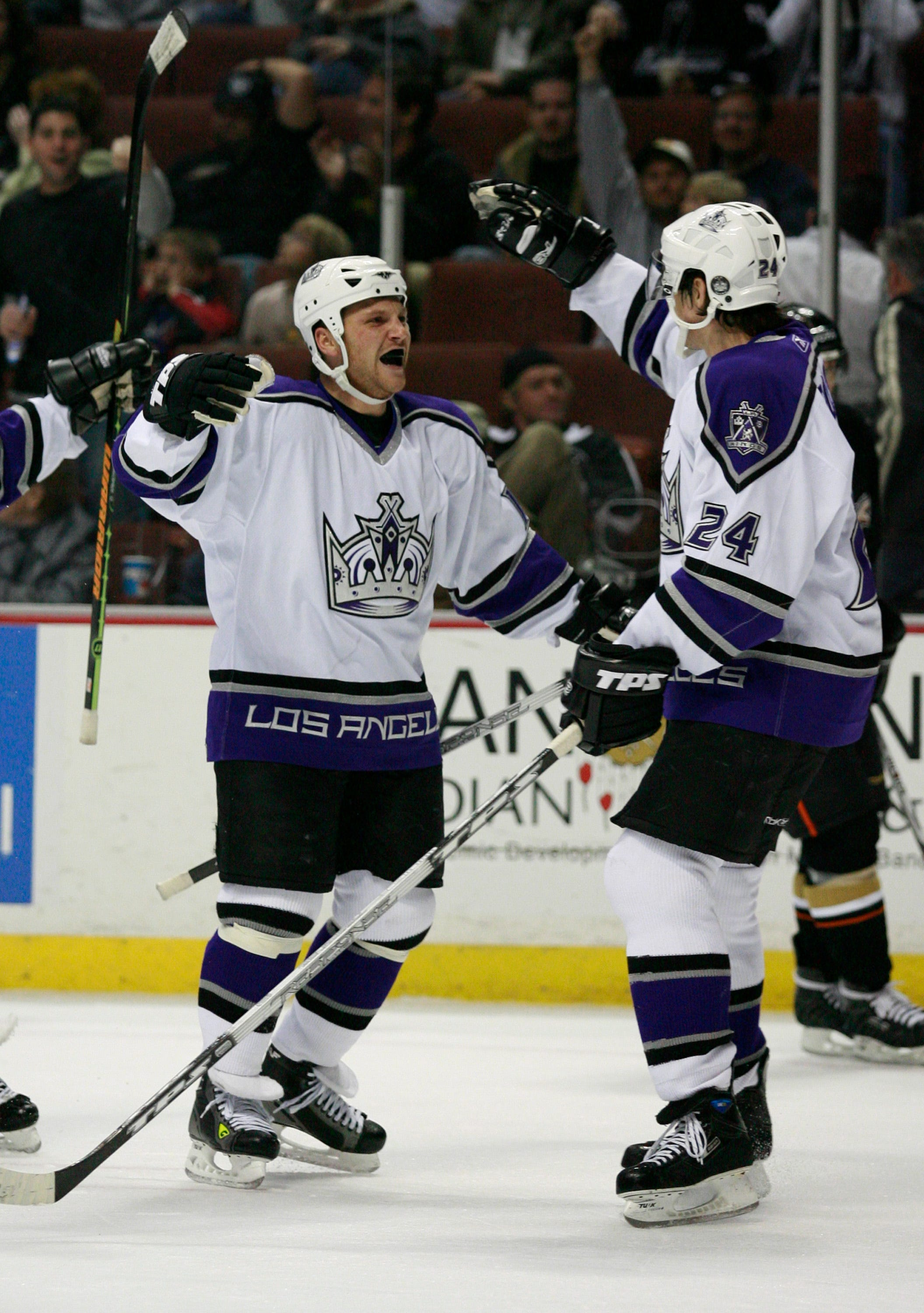 Retired NHL player Sean Avery said former coach Marc Crawford kicked him when he played for Kings