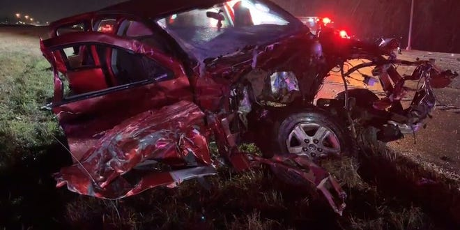 A crash involving multiple vehicles shut down part of I-75 in Franklin Monday night, OSP says.