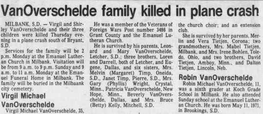 An Argus Leader obituary for the VanOverschelde family, who were killed in a plane crash in 1982.