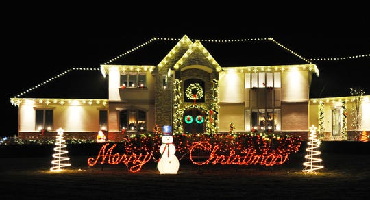 The City of Vineland and Vineland Municipal Utilities are accepting entries for the 2019 David Di Giovacchino Holiday Lighting Contest.