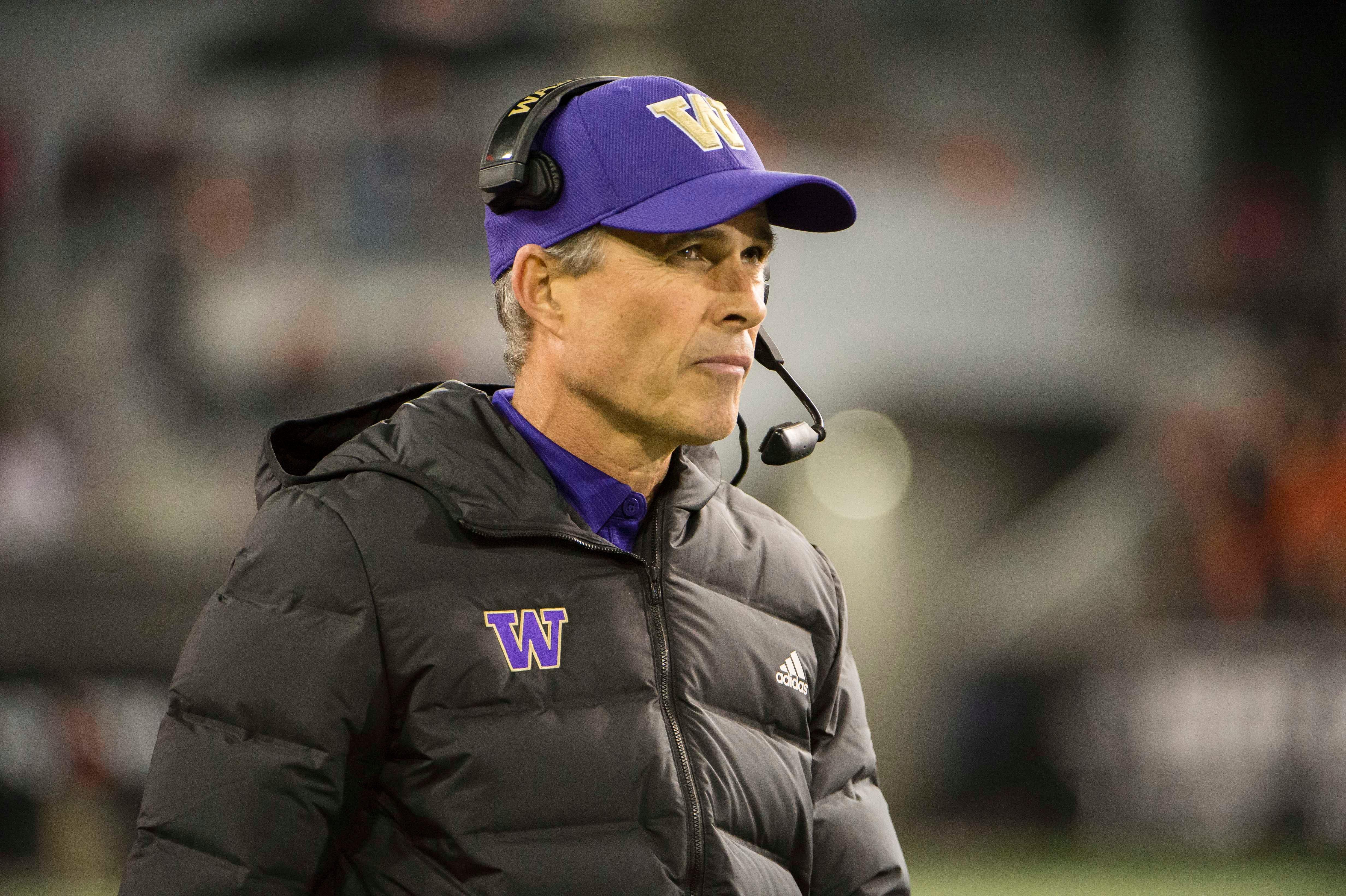 Opinion: Can you really blame Washington coach Chris Petersen for wanting to take a break?