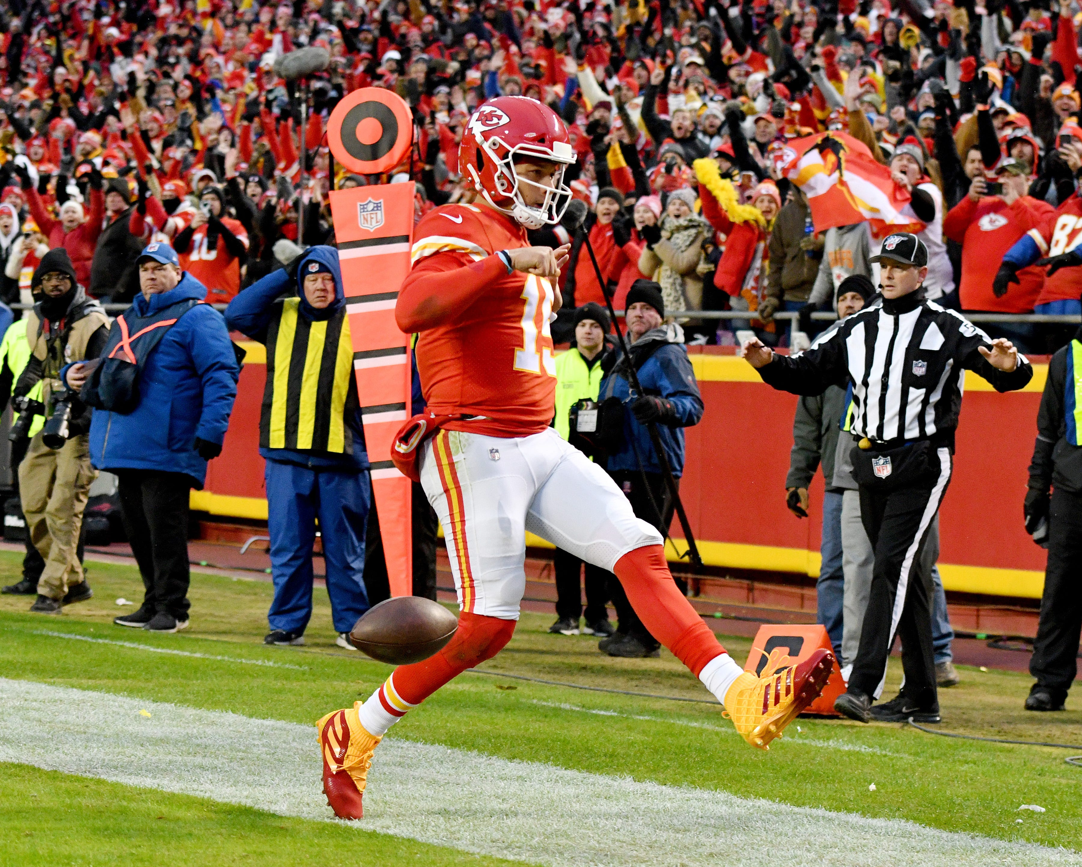 Opinion: Why the Chiefs are back, the Titans should scare the Texans and the Bills are legit