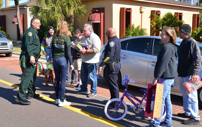 Last year the Reverse Christmas Parade saw a number of people turn out to provide toys to the police as they passed by to give to needy children.