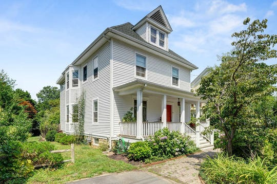 Maryanne Sawade of RE/MAX Preferred Professionals in Bridgewater presents her recent listing at 9 Academy St.located in theKingston section of South Brunswick Township for$439,000.