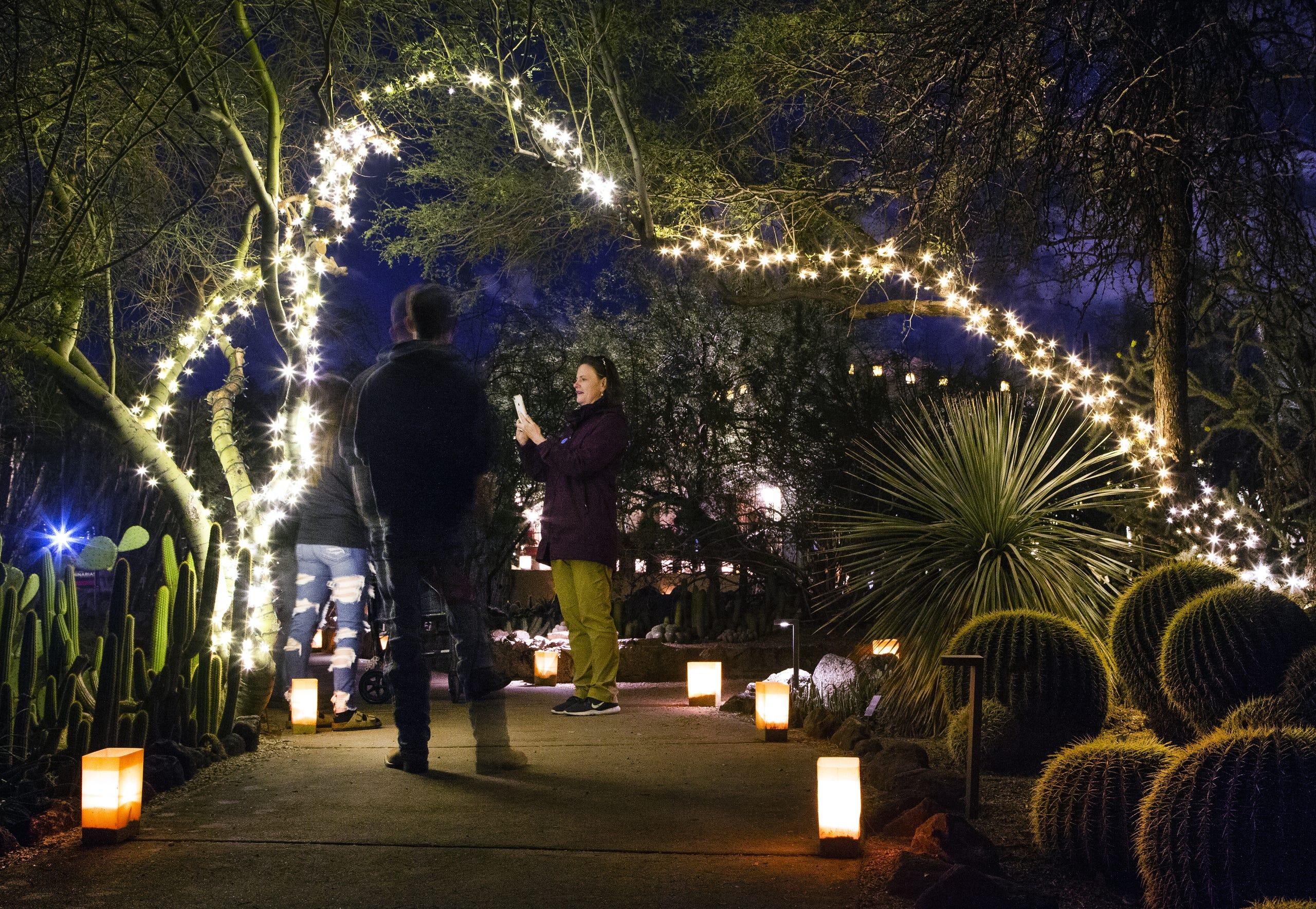 Las Noches De Las Luminarias 2019 In Photos At Desert Botanical Garden