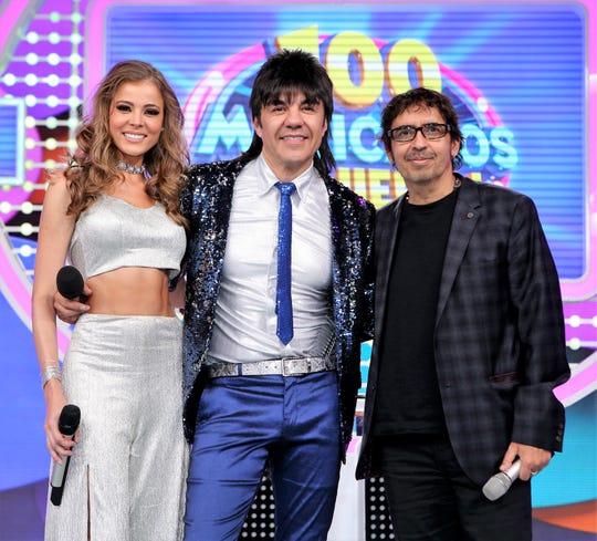 """Además de ser director del canal Telehit, Memo es productor de programas como """"Cien Mexicanos Dijieron"""" y """"Nosotros los Guapos""""."""