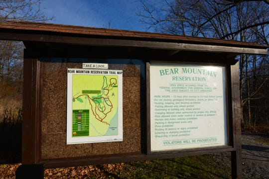 Find a clearly marked and color-coded trail map at the start of Danbury's Bear Mountain.