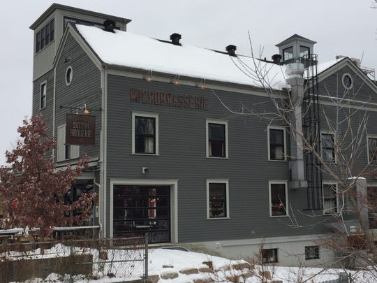 The Microbrasserie Auberge Sutton Brouerie is five miles over the Vermont border in Sutton, Quebec.