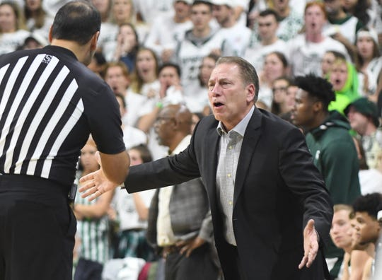 Michigan State coach Tom Izzo questions a call early in the game.