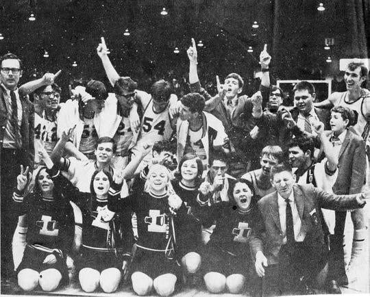 Loogootee celebrates winning the 1970 Evansville Semistate title.
