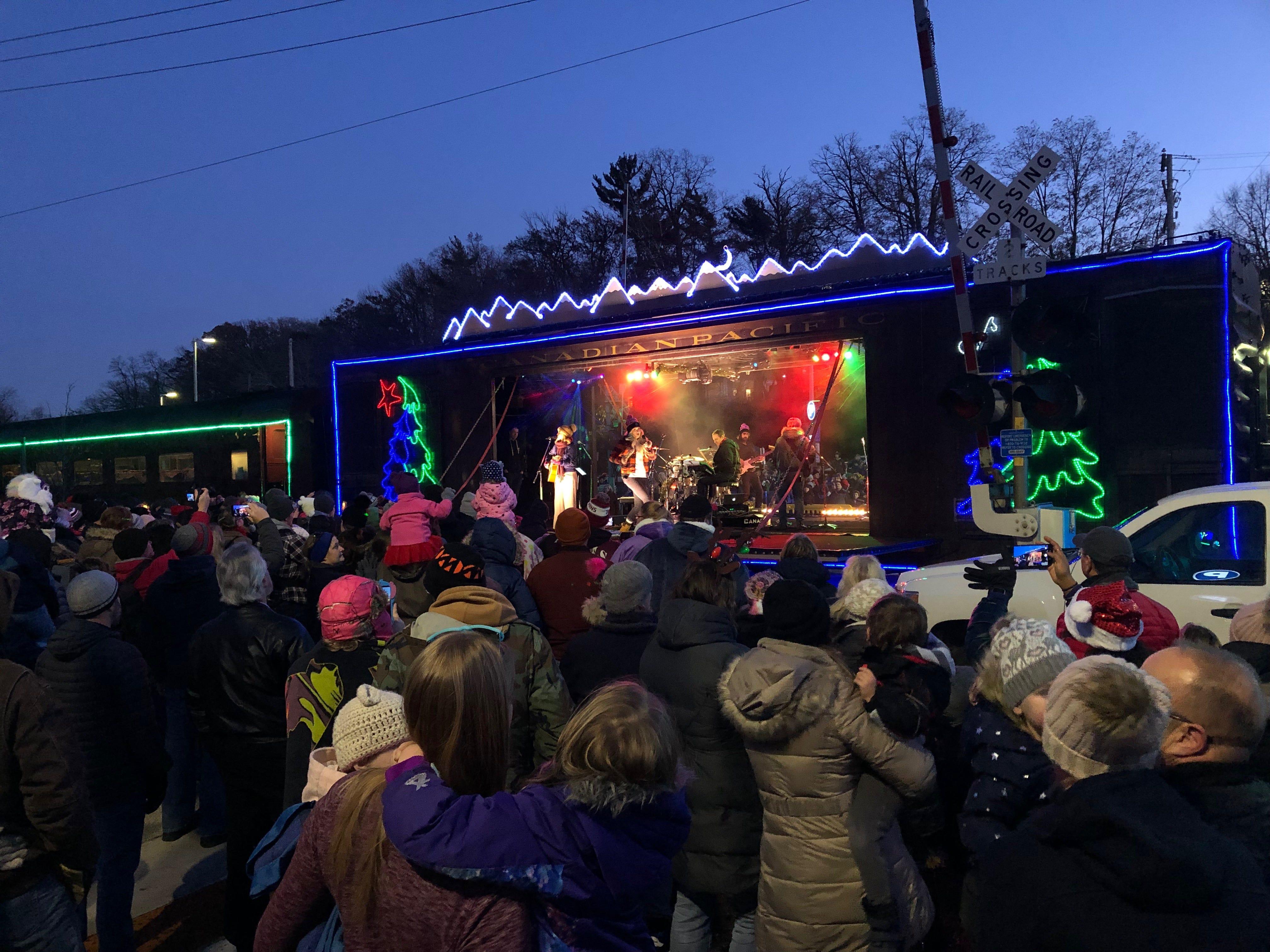 Wauwatosa Christmas Train 2020 Christmas train brings cheer to downtown Wauwatosa