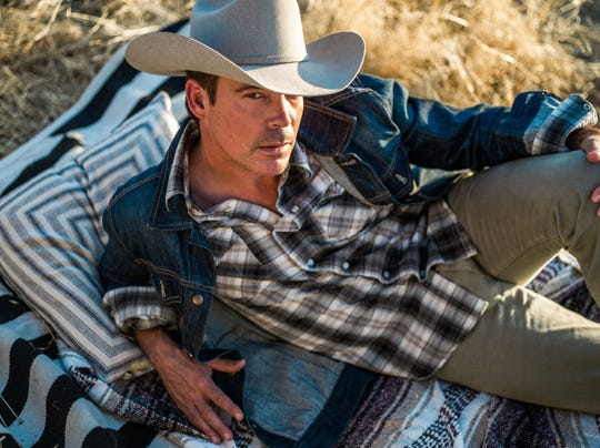 Clay Walker performs Sunday at the Montgomery Performing Arts Centre.