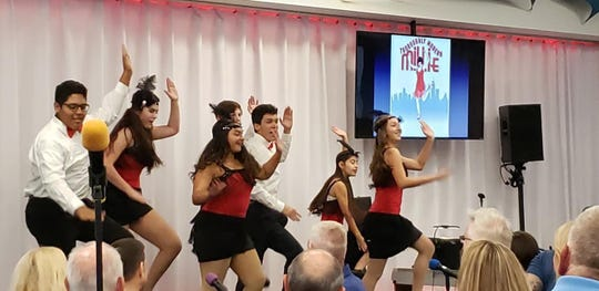 """The students of MTU perform a number from """"Thoroughly Modern Millie"""" at Acqua California Bistro."""