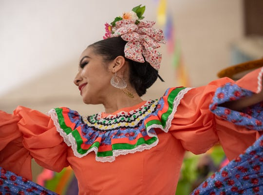 For entertainment at the Hope en el Barrio event, there will be music byJavier Galvan from La Fe Café Ministers and Folklorico dancers.