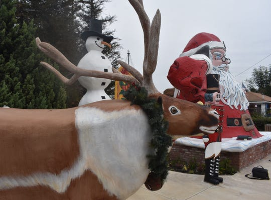 When Santa first moved to Nyeland Acres nearly 17 years ago, he was a solo act. Now, he has friends including a reindeer and a surfing snowman.