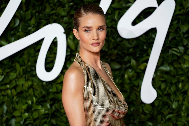 British model Rosie Huntington-Whiteley opened up to pregnant Ashley Graham about her weight gain during her pregnancy.