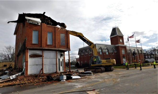 Demolition crews finish up work in the 300 block of North Main Street in Clyde.