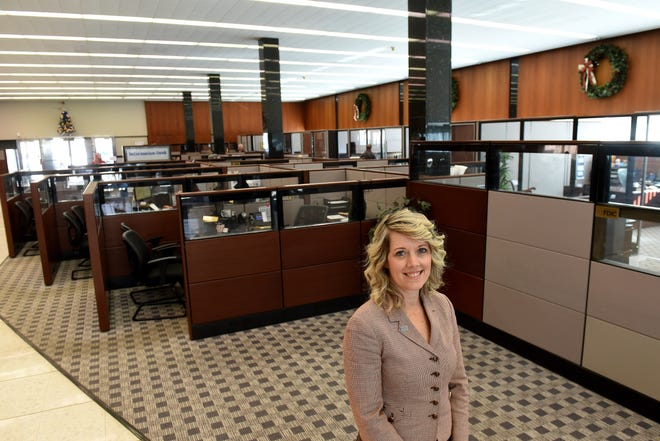 Cheri Hottinger, vice president for commercial loans at Park National Bank, resume highlights include Licking County Chamber of Commerce, Newark Development Partners, Licking Memorial Hospital, and the Licking County Humane Society.