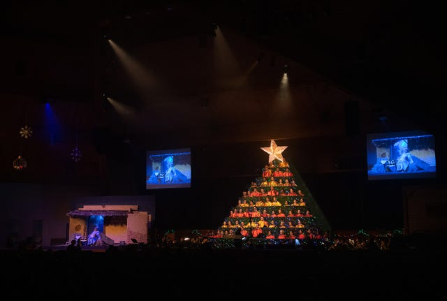 Singing Christmas Tree performs at the Hobe Sound Bible Church