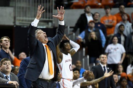 No 13 Auburn Survives Upset Bid By Furman Basketball