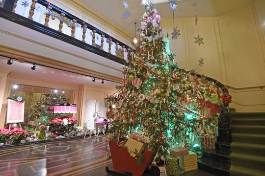 A large Christmas tree greets visitors at the entrance of Kingwood Hall.