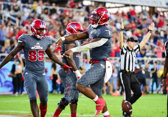 Florida Atlantic running back BJ Emmons has scored touchdowns in consecutive games since returning from a broken ankle.