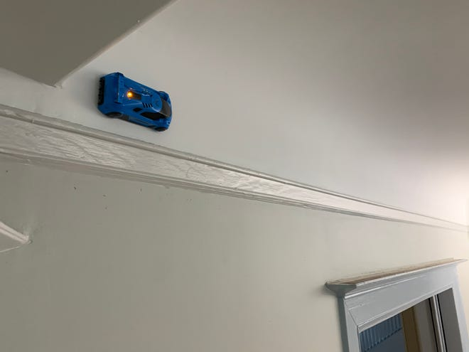 Air Hogs Zero Gravity Laser Racers remote-controlled cars can race up walls and across ceilings