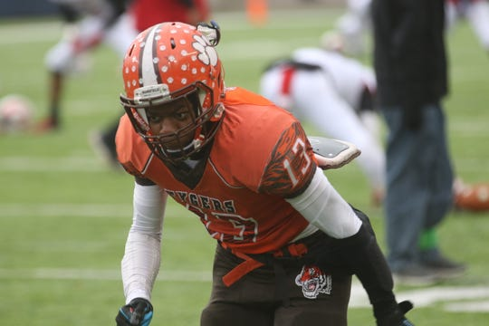 Mansfield Senior's Aveon Grose is one of the best football players returning to the field in 2020.