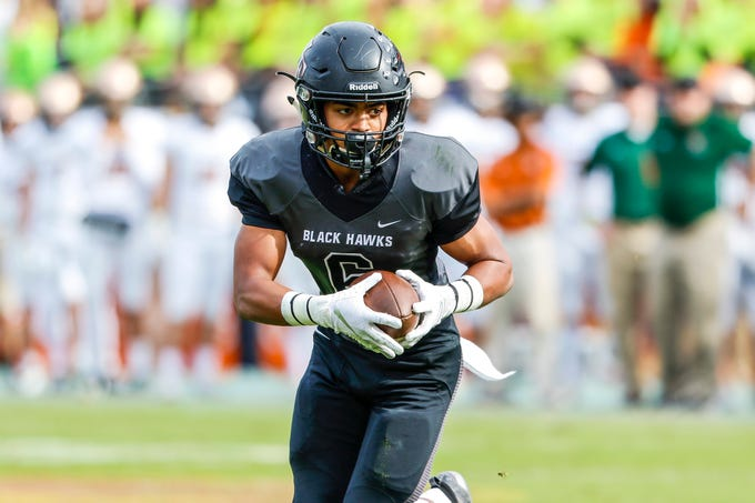Williams Field Running Back Kaden Cloud turns up field against Campo Verde in the 5A State Championship on Dec. 7, 2019 in Tempe, AZ. (Brady Klain/The Republic)
