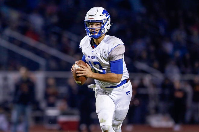 Ty Thompson, a five-star quarterback prospect from Mesquite High in Gilbert, Ariz., is one of the headliners of Oregon's 2021 recruiting class.