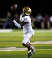 Florida High Seminoles. Ahmari Harvey (3) catches a pass from Florida High Seminoles quarterback Willie Taggart Jr. (10). The Florida High Seminoles lost 35-20 to Chaminade-Madonna and finished as Class 3A state runner-up.