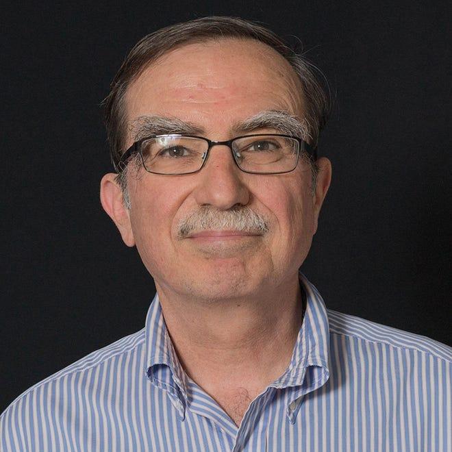 Timothy Cross, professor of chemistry and biochemistry  at Florida State University and the FSU 2019-2020 Robert O. Lawton Distinguished Professor, will address graduates on Friday, Dec. 13, 2019.