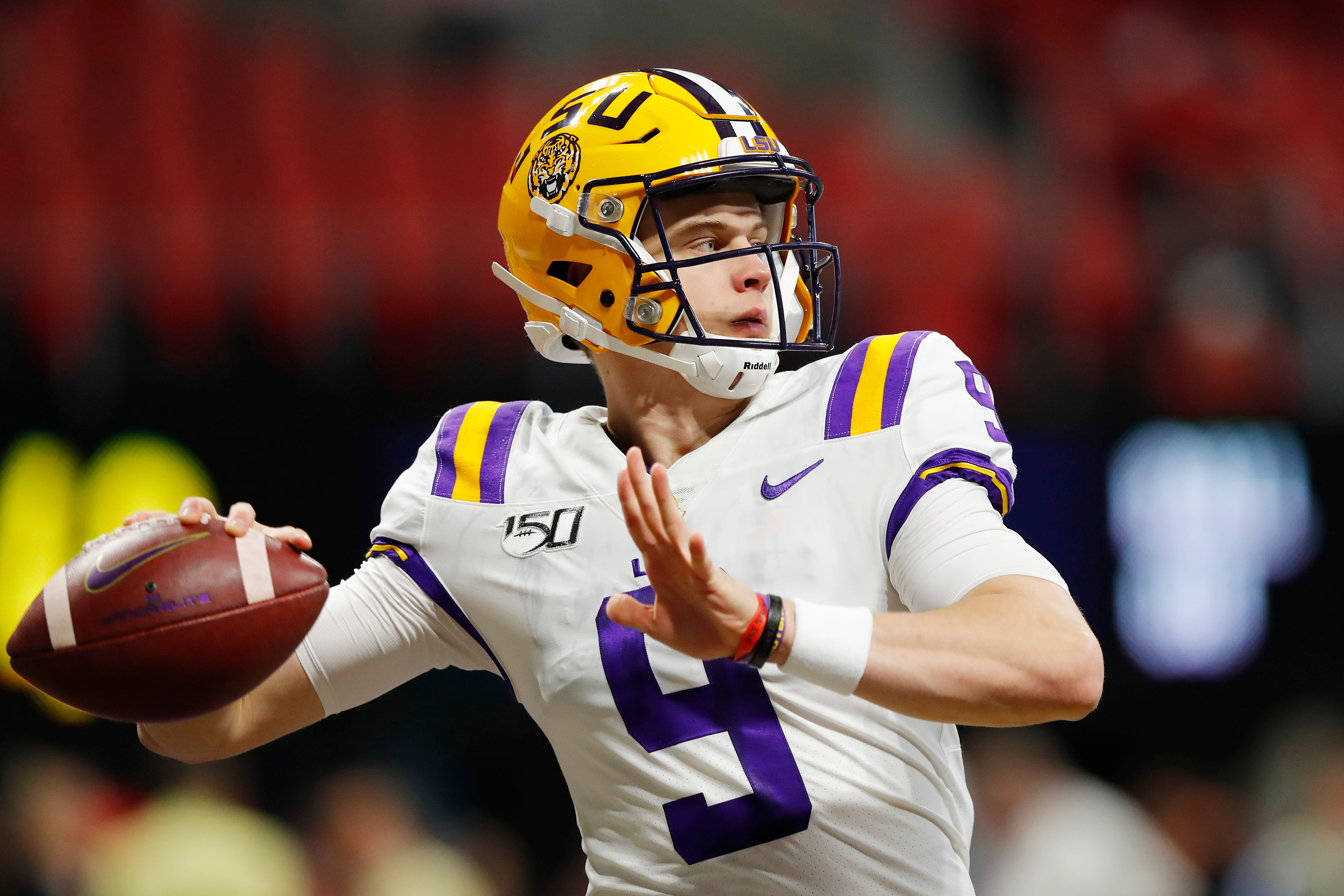 LSU QB Joe Burrow throws pass to himself on opening drive of SEC Championship Game
