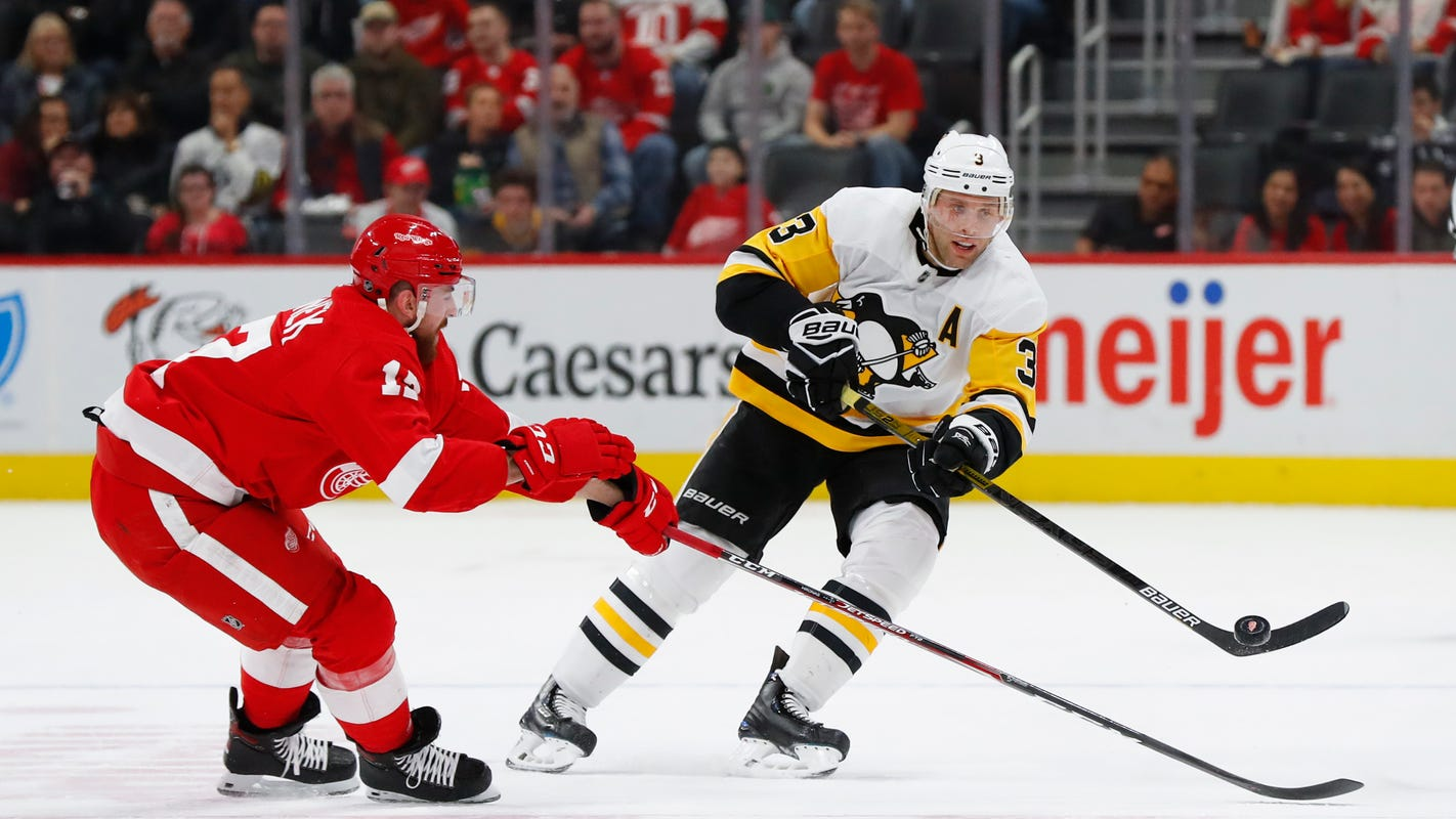 Detroit Red Wings show signs of resuscitation in near-rally vs. Penguins