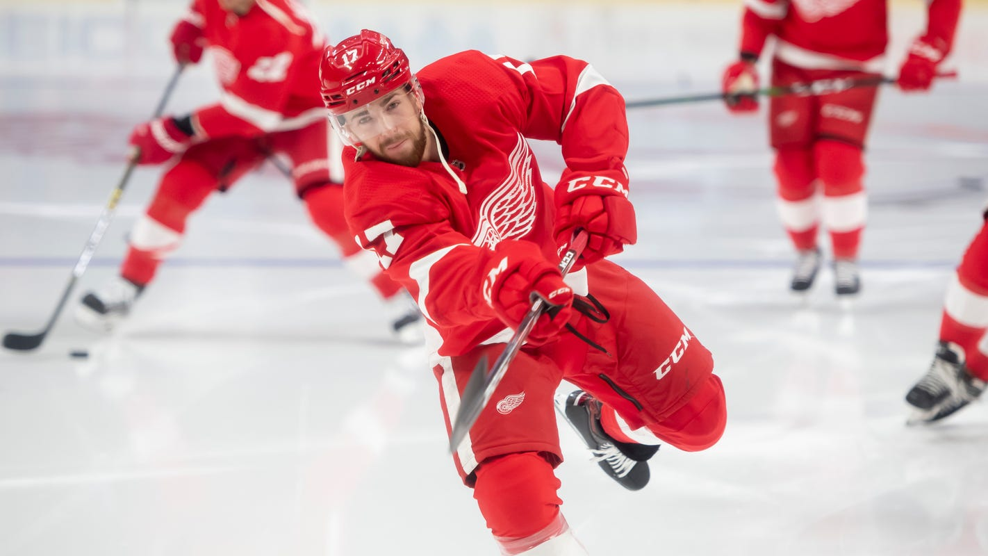 Filip Hronek continues to be bright spot during difficult Red Wings' season