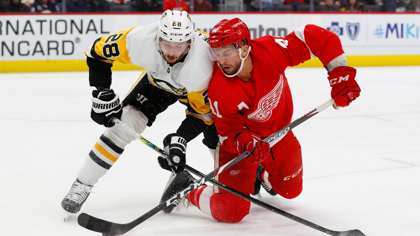 Red Wings rally late but home losing streak reaches 11 in loss to Penguins