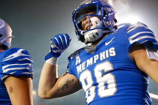 Memphis tight end Joey Magnifico
