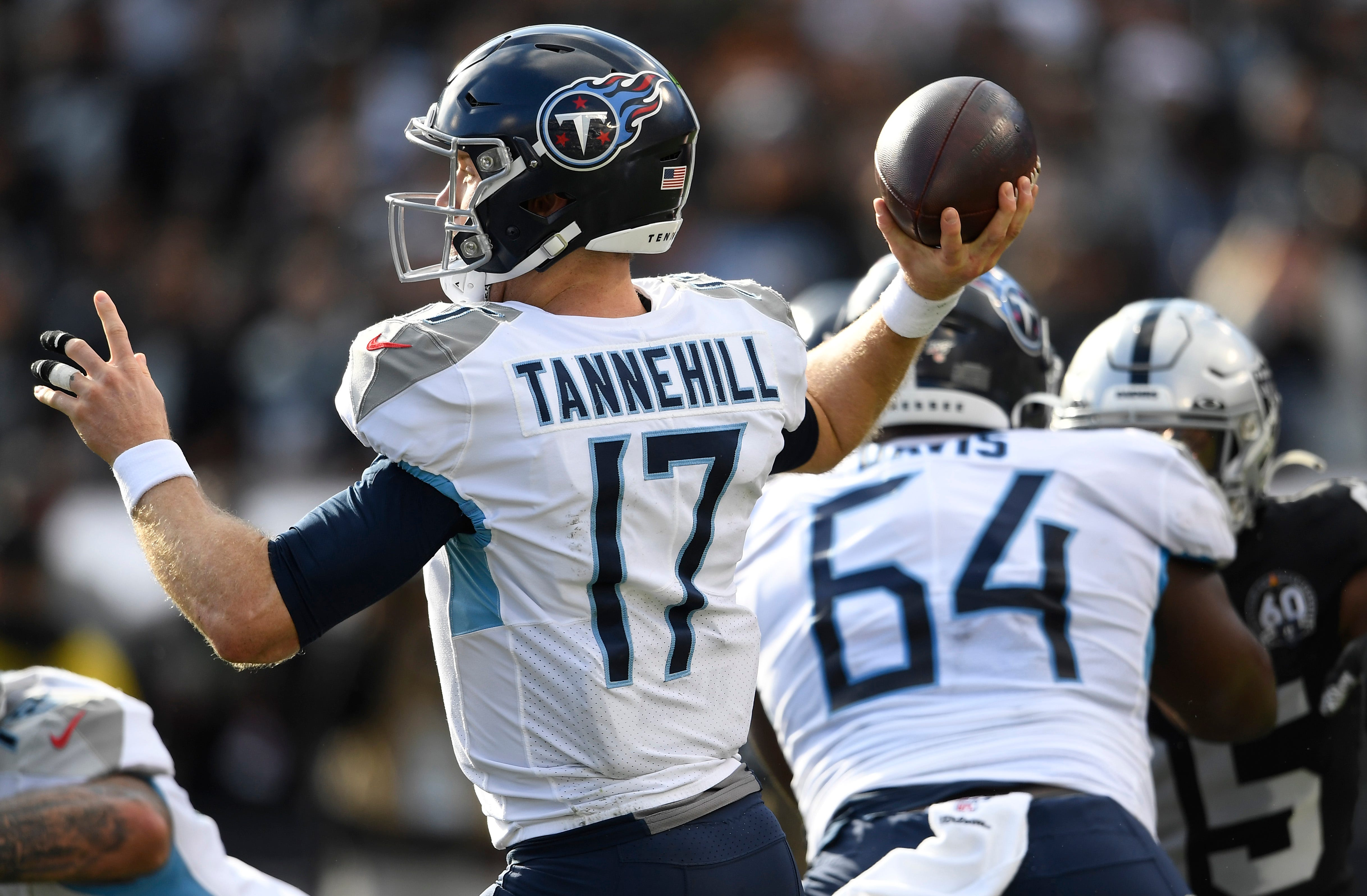 Tannehill: Titans QB lays out Raiders defensive tackle...