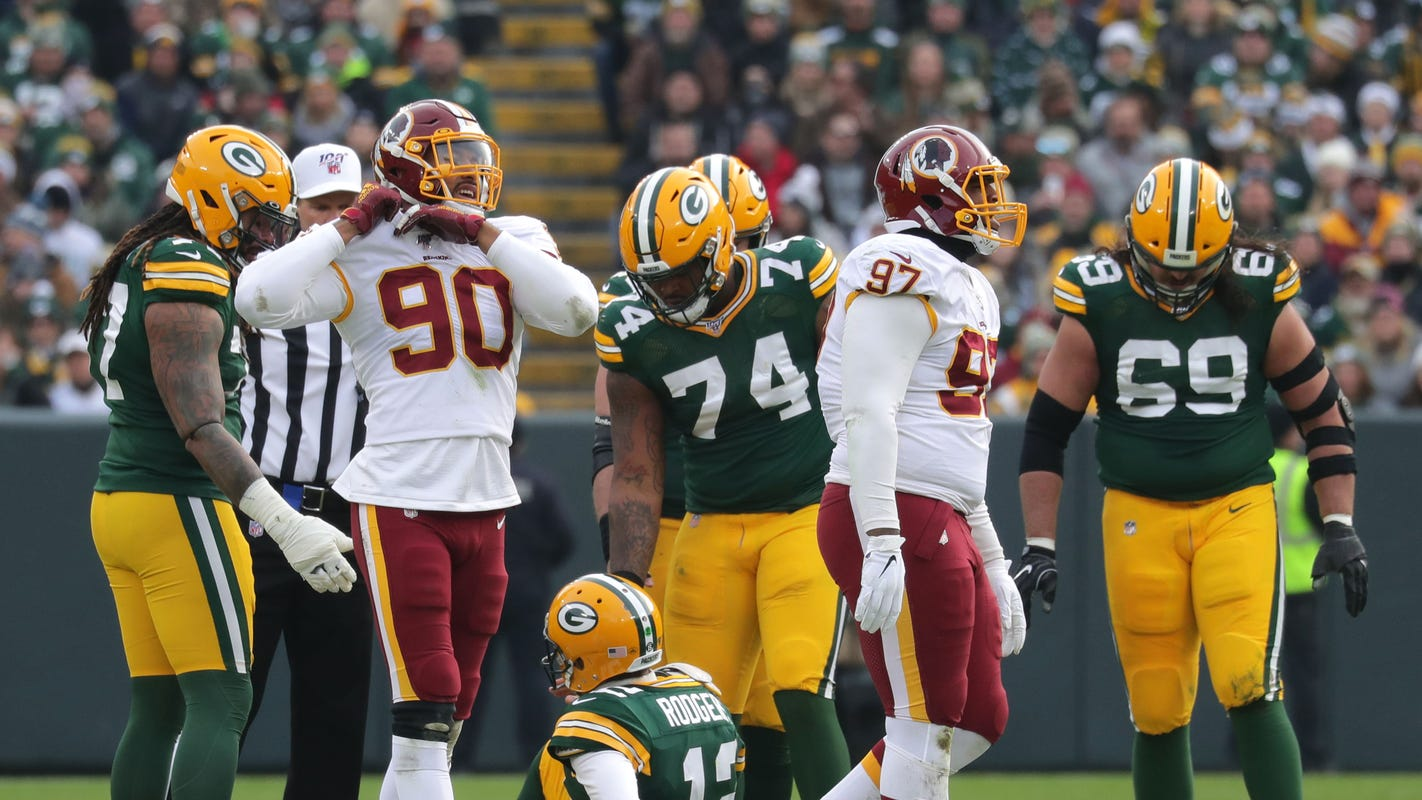 Packers 4 Downs: Lackluster offense to blame for quiet Lambeau crowd