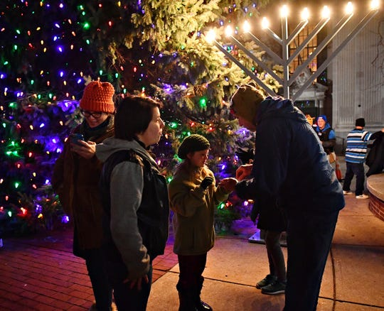 Light Up York in York City, Saturday, Dec. 7, 2019. Dawn J. Sagert photo
