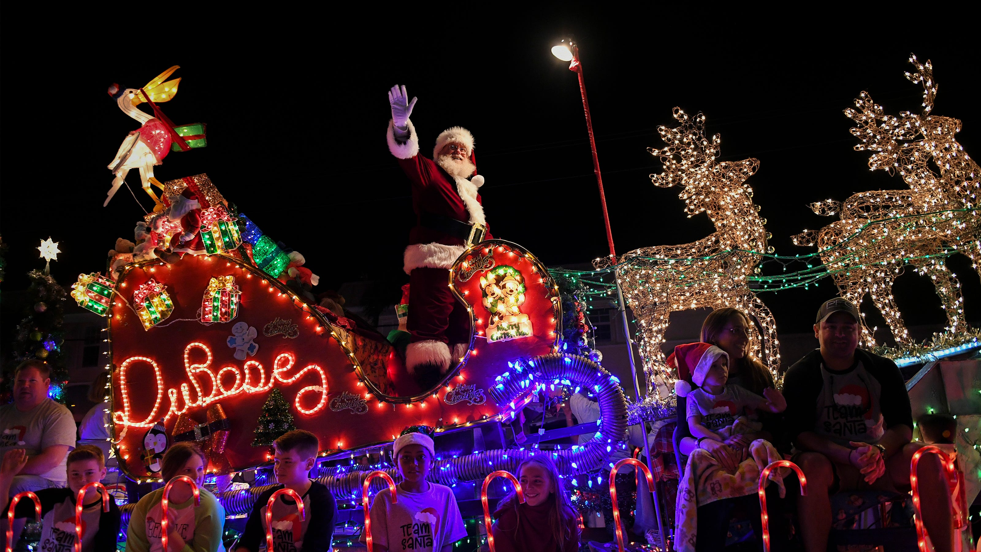 Port St Lucie Christmas Lights 2021 Bus Tours Festival Of Lights Christmas Parades Pooch Plunge Events Happen This Weekend