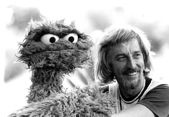Caroll Spinney Aka Big Bird Oscar The Grouch On Sesame